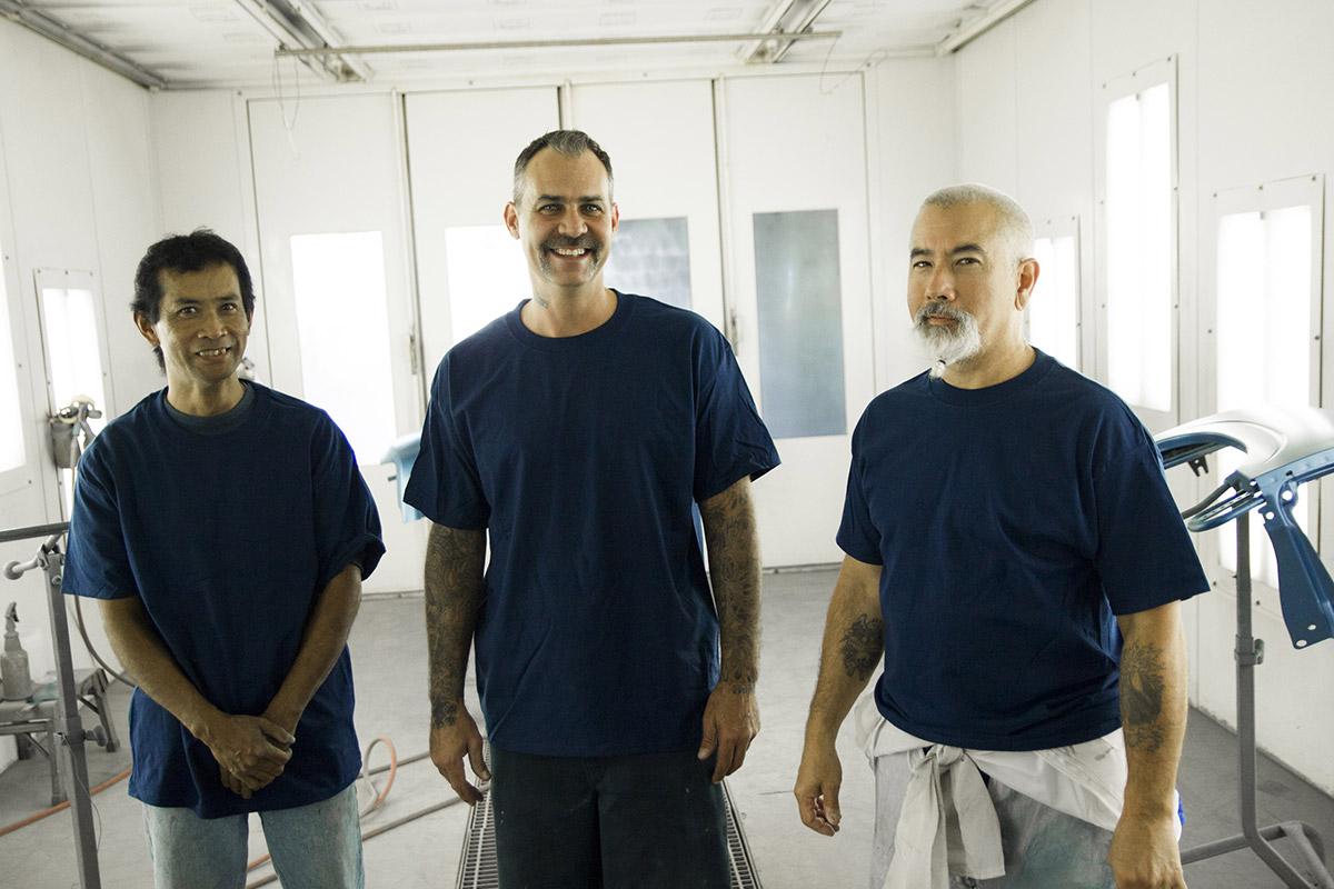 Paint Crew | American Autobody Specialist
